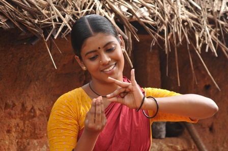 A new Tamil Movie Vaagai Sooda Vaa by Director A Sargumam, the sory goes  back to the year 1966. The situations and scenes of 1966 and a small village  ...