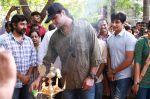 Endrendrum Punnagai Movie Pooja Stills (22)
