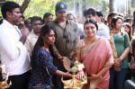 Endrendrum Punnagai Movie Pooja Stills (27)