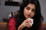 Actress Radhika Apte Latest Cute Photos (7)